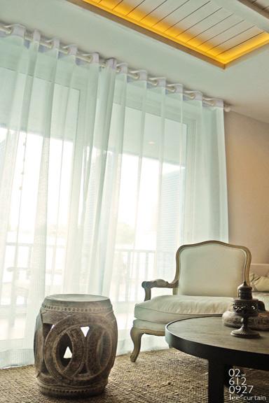 Pierced-curtain-081